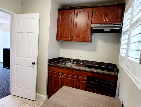 1 King Bed with Kitchen