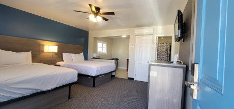 Deluxe Double Room, 2 Queen Beds with Kitchen