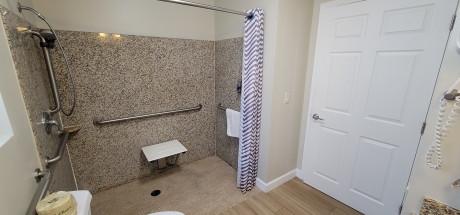 Beachwalker Inn & Suites - Bathroom